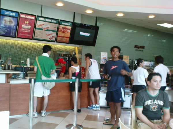 Run for Home - runners at Krispy Kreme